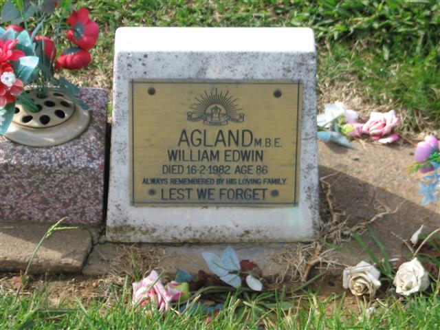 File:William Edwin Agland headstone.jpg